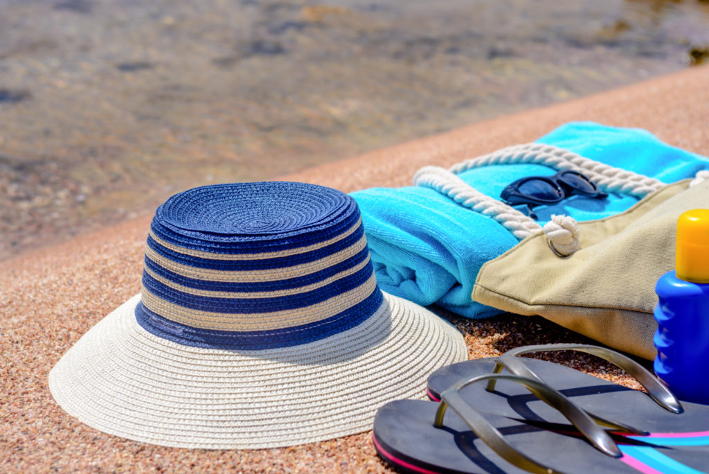 Dating Do: What to Bring On a Beach Date